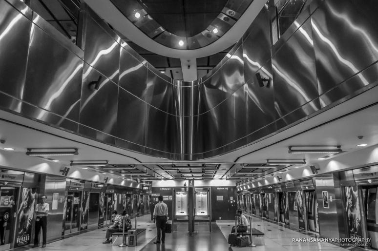 MRT_Harbourfront.jpg